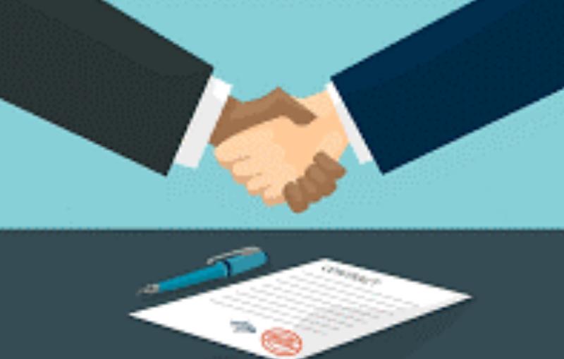Como se adjudican contratos menores según las leyes vigentes