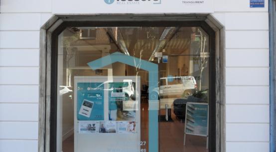 Lessors, empresa líder de servicios inmobiliarios integrales que forma parte de Inveriplus Investments, abre sus primeras oficinas en Oviedo (C/ Cervantes, 6, Bajo) y Gijón (Calle Álvarez de Garaya, 7, bajo), desde donde atenderá a propietarios, inquilinos, profesionales e inversores.